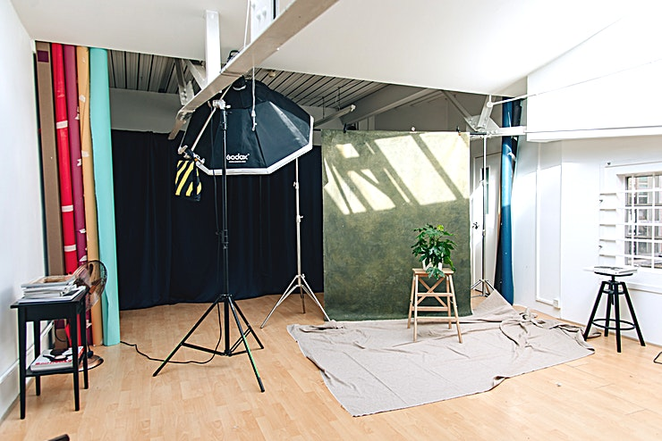 PL Photography Studio **If you're looking for a photography studio for hire in London, look no further than PL Photography Studio.**  Affordable natural light photo studio based in West London  PL photo studio is affordable, has plenty of natural light and a set of Godox Studio Lights (included in rent).  Open 7 days a week.