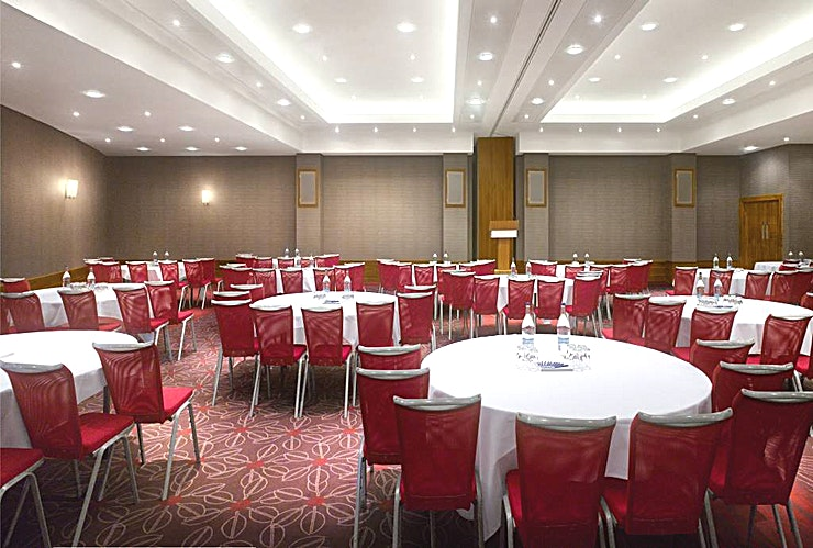 Auger Suite **Host up to 400 Guests in style on the banks of the River Wear. **  With plenty of natural light and great views of the city, The Angler Suite meeting rooms and banqueting suite are ideal for your Durham event.   The facilities include a lounge area with views of the Cathedral, which is a beautiful backdrop for coffee breaks. The majority of meeting rooms offer an equally beautiful backdrop with floor-to-ceiling windows looking out to the River Wear. There's also a large, private function bar, which can be hired for your exclusive use.
