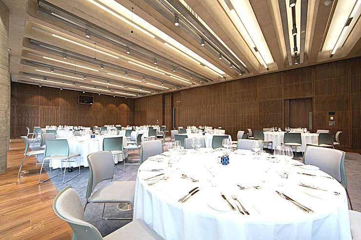 Elizabeth room **The Elizabeth Room is a versatile, light and airy Space - perfect for both daytime and evening events.**  Located on the first floor the Elizabeth Room is our largest event Space at 195m². It is a versatile, light and airy Space perfect for both daytime conferences for up to 210 Guests, exhibitions, exams, team builds, screenings to evening entertaining, hosting dinners of up to 180 Guests.   The adjoining foyer area is included in the hire of this room and is ideal for registration, catering and receptions.