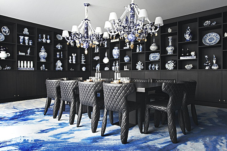 Delft Blue Room  *Looking for a space to wow your guests at your next private dining event? Look no further than the Delft Blue Room at the Andaz Amsterdam Prinsengracht, and dine amongst this impressive art collection*  Located in the Prinsengracht building, this 45-square meter space is a work of art, featuring natural daylight from the large garden windows and Marcel Wanders' modern hand painted porcelain, alongside 16th-century blue and white Delft pottery. You' ill find over 160 artworks in this space.
