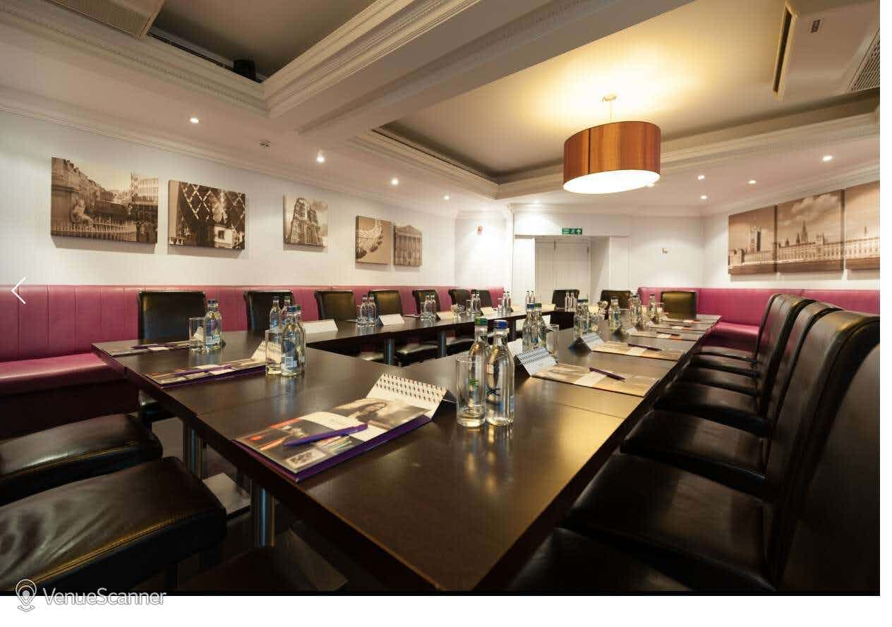 The Cromwell Suite, Mercure London Kensington Hotel