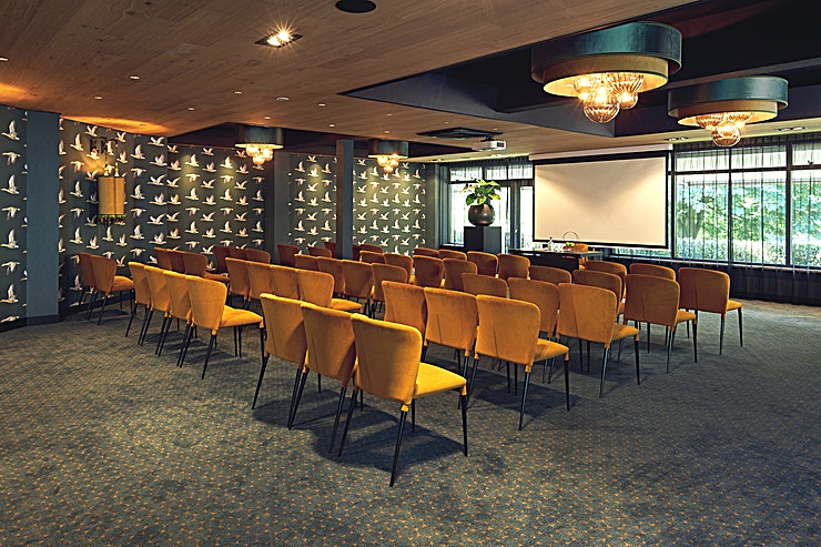 Ballingszaal 3 *Hotel Gilze - Tilburg has a variety of meeting rooms centrally located*  Looking for a suitable venue for meetings, training purposes, product presentations, festive events like wedding celebrations?