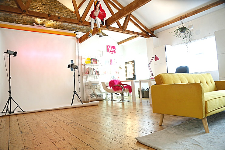 Studio 3 Swanky Lifestyle Studio with lounge and sitting and desk  area, as well as steamer and make up table onsite. Coloramas and additional can be provided.