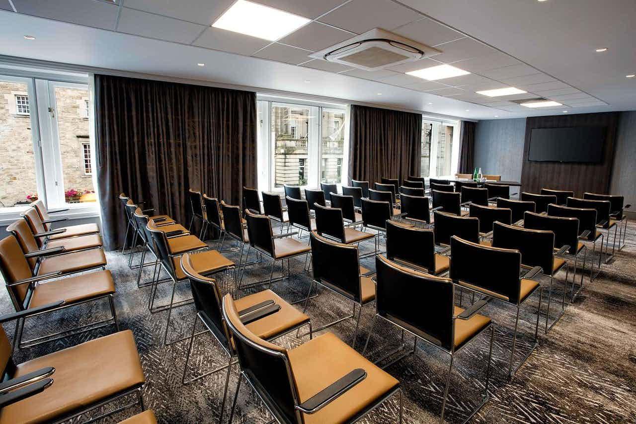 Craiglockhart, Hilton Edinburgh Carlton