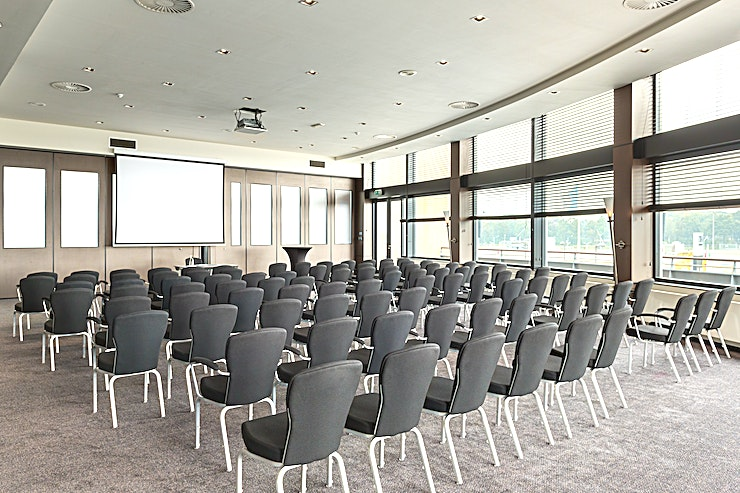 Ariane Meeting room Ariane is the largest meeting rooms of NH Waalwijk. This space is suitable for any type of meeting and event, from a presentation to a network event. You can host up to 150 people.  The s
