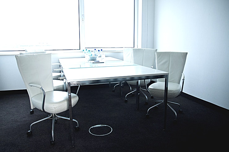 """Wubbo The Wubbo meeting room is located at the Top Wing (8th floor), measuring 4 by 4m with a ceiling height of 2,7m. The meeting room features natural daylight and air conditioning and is equipped with a 60"""" LED TV screen and flipchart."""