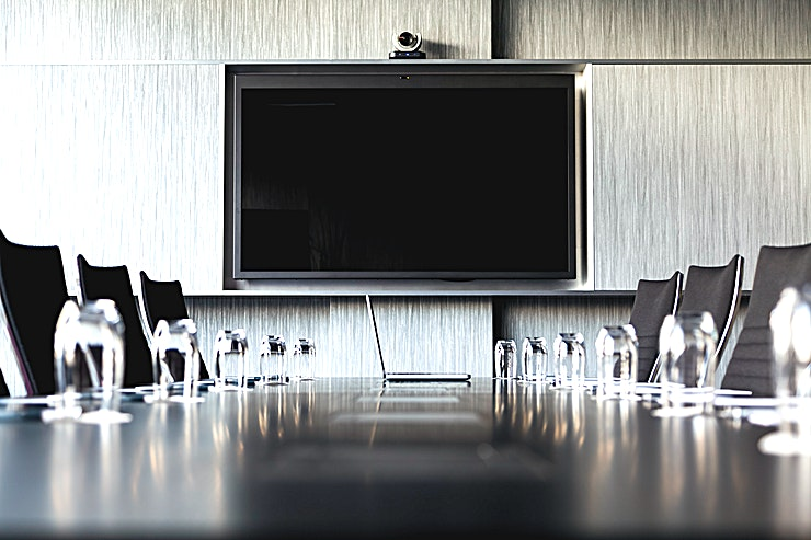 Einstein 1st floor   Pullman Eindhoven Cocagne has 2 executive board rooms, with video conferencing (up to 12 participants). These rooms have a connecting private chill area next to the boardroom.