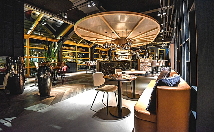 Gastrobar Septem Decor and atmosphere This warmly decorated hotel is accessible to every type of guest. Be surprised by the completely renovated hotel Akersloot. From business meeting rooms to a cozy hotel bar.  Locat