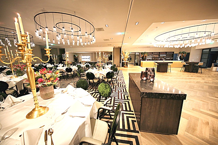 Europa Decor and atmosphere This warmly decorated hotel is accessible to every type of guest. Be surprised by the completely renovated hotel Akersloot. From business meeting rooms to a cozy hotel bar.  Locat