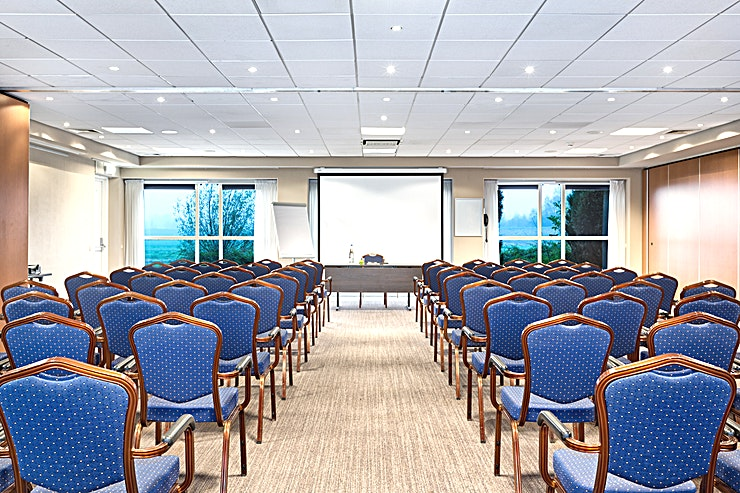 """IJsselmeer + Eemmeer Meeting Rooms """"IJsselmeer"""" and """"Eemmeer"""" can be combined into one larger meeting space. This area is suitable for different types of medium sized meetings: from a network event to a private party. Wit"""