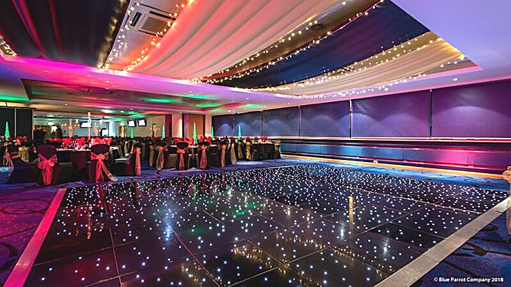 Lomond Suite **As one of the venue's two largest spaces, the west-facing Lomond suite twins with the east-facing Nevis suite as an event Space with a capacity of up to 450 Guests.**  This Space provides ultimate f