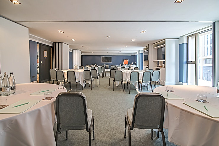 The Masters Suite **A beautiful, bright Space, The Masters Suite can be used as four smaller meeting rooms or opened up as a larger Space to accommodate guests.**  For receptions or parties, canapés and light bites, along with wine pairings, can be served.