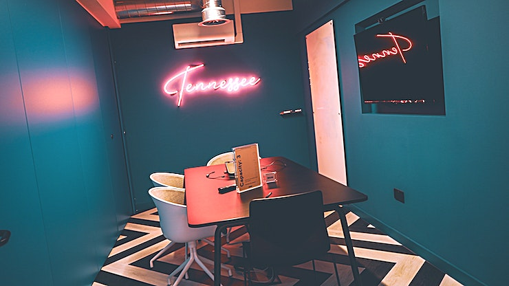Tennessee **The one for the interview. This intimate meeting Space is perfect for one to one team meetings or finding your next team member.**  Settle in with all the essentials including tea and coffee, high-s