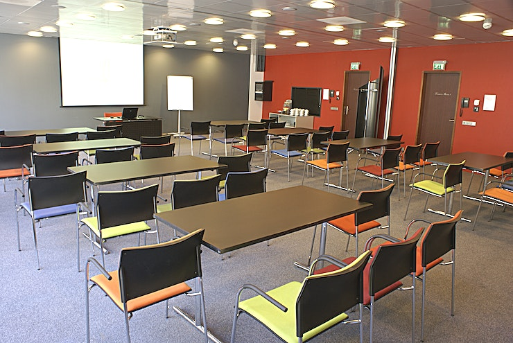 Leeuwen Room I &II The meeting room is flexible and is here combined as meeting room Leeuwen Room I&III. These meeting rooms are located at the ground floor and is equipped with plug & play.