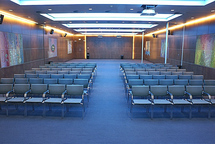 Diamond Room I&II The meeting room is flexible and is here combined with meeting room Diamond Room I&II. The meeting room is equipped with plug & play.