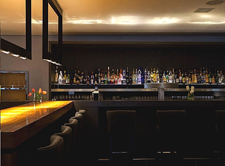 Bar47 Bar47 is the perfect venue to wind down after a busy day – with friends or associates. Light meals and drinks are served in a lively cosmopolitan atmosphere. Pamper yourself with the homemade tartines