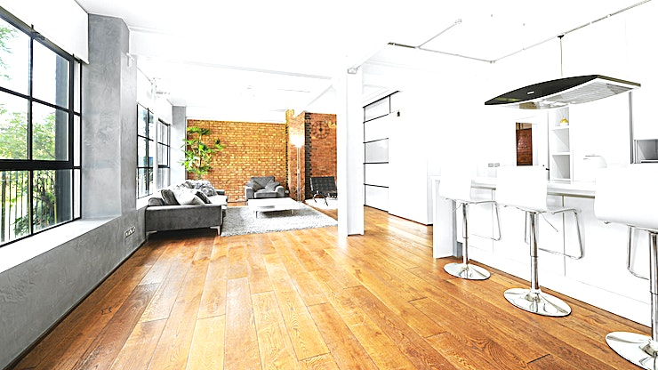 Studio 1 Studio 1 Penthouse (East London – E14) - 1,700 Sq Ft Luxury Waterside Penthouse/New York Loft Style Apartment by Canary Wharf with Modern and Industrial Interiors, Games Room, Cinema Projector Screens
