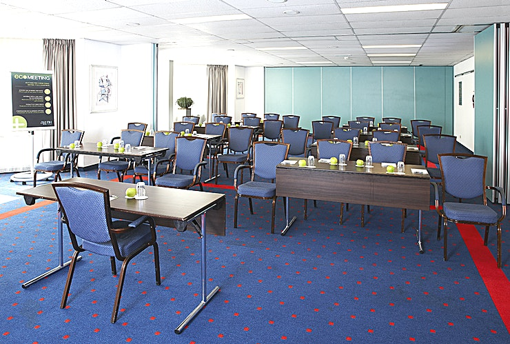 Piet Hein 1 Meeting room Piet Hein 1 is ideal for small-sized meetings. You can host up to 32 people. The surface of this space is 63m2. The room is equipped with free Wi-Fi, air conditioning, a projector, high q