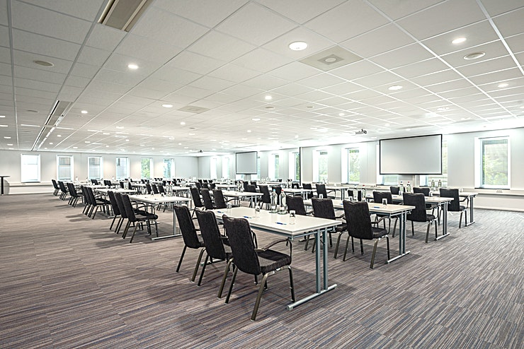 Rotterdam 2+3 Meeting rooms Rotterdam 2 and Rotterdam 3 can be combined into one larger meeting Space. It can host up to 225 people and it is the ideal location for different types of larger-sized business meetings