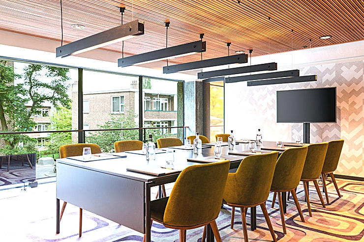 Pressroom 1 The Slaak Rotterdam offers a social scene whether it is for work or play. Bring your Guests together and have meaningful meetings in one of our Pressrooms! The two press rooms of 30m2 allow flexible s