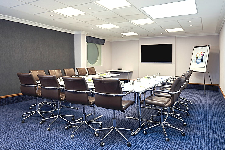 Thaxted First floor small meeting room ideal for either meetings with break-out rooms or one to one meetings. First floor break-out area available with ladies and gentlemen facilities