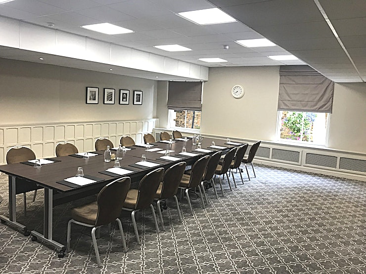 Jorvik Many of the meeting rooms at Principal York are packed with period features and architectural flourishes. With natural daylight, upgraded AV and a range of menus and packages to meet your objectives.
