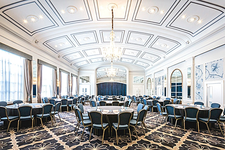 Windsor Suite With its vaulted ceiling and original chandeliers, our spectacular Windsor Suite has played witness to some of the most fabulous parties, hosting dignitaries, personalities and royal attendees, making