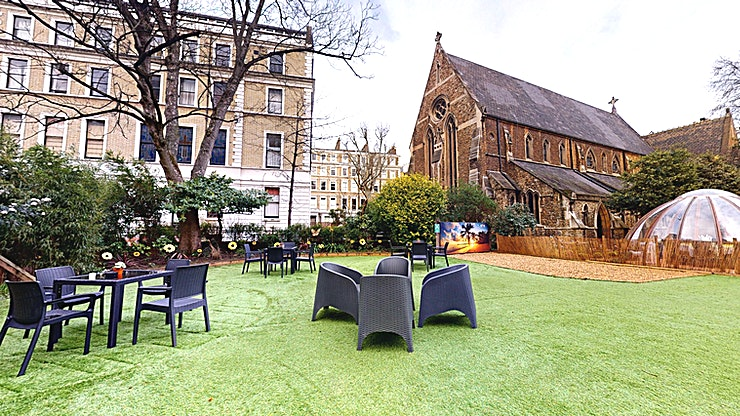 Kens Garden A one acre garden open all year with fire heaters and sofas to provide a relaxed cosy atmosphere. This space is perfect for team building activities, product launches, summer parties, after work drin