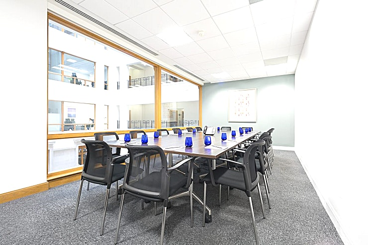 Hayton **Hire the Hayton meeting room at Landmark's Birmingham Brindleyplace centre.**   You can't fail to impress clients in Birmingham when you book an impressive meeting room in this unique building near Central Square and the canal. Landmark will provide everything for a successful meeting, including presentation tools, and our concierge team will be pleased to fulfil every need.  If you're looking for one of the best options for meeting room hire Birmingham has to offer then you've come to the right place. This fully equipped Birmingham meeting room has everything you need for a productive day with your team.