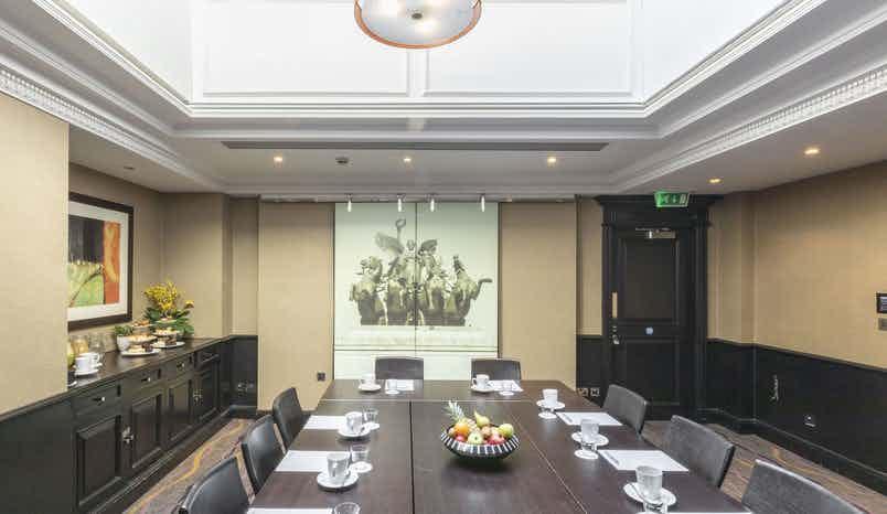 Elm Room, Hotel London Kensington