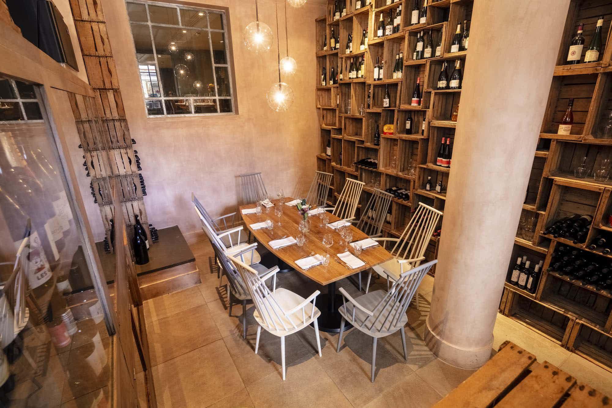 Wine Room, Radici