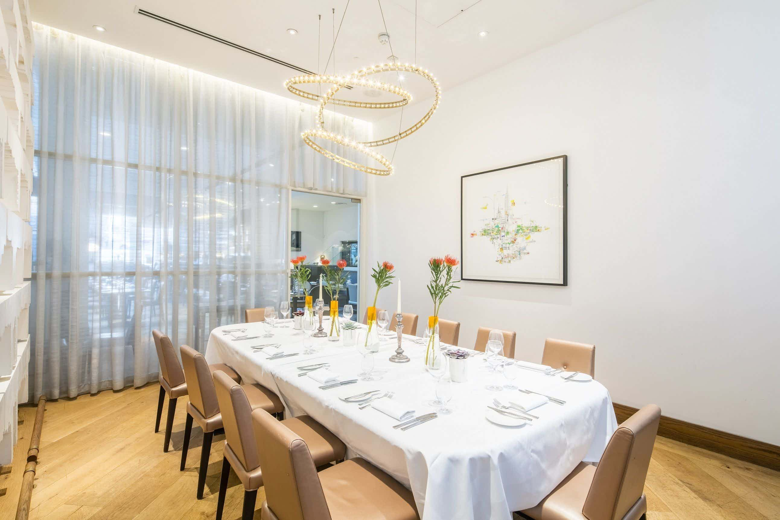 Private Dining Room, Avenue