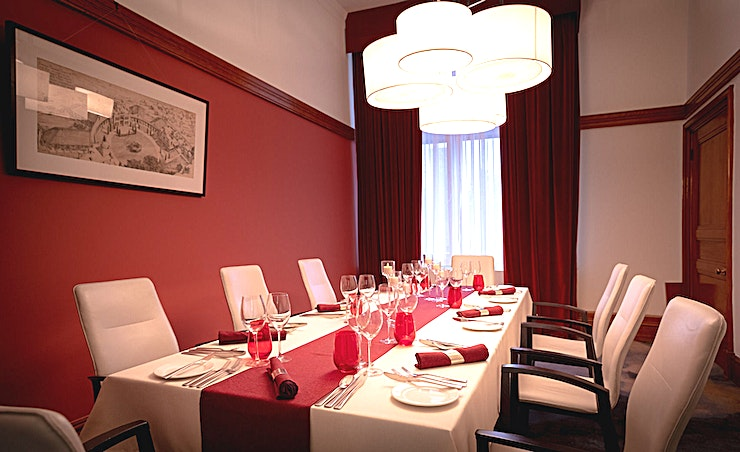 Beresford Pite, Heritage Room **The Beresford Pite Heritage Room at 30 Euston Square is a wonderful room for hire near Euston in London.**  The 6 Heritage Rooms at 30 Euston Square represent the strong history of the venue, complete with original oak features and large windows.  Reinvented to create memorable private dining and intimate day meeting experiences with sustainable, locally sourced, best of British catering and exquisite butler service.   Guests can experience state-of-the-art technology, palatial amenities and a high-class lounge within a beautiful and comfortable environment.