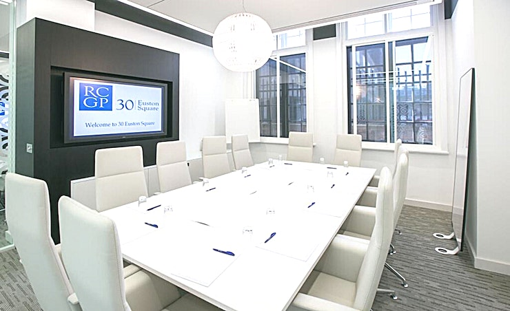 Ground Floor Meeting Room 10 **On the ground floor of 30 Euston Square is Meeting Room 10, a flexible Space for state-of-the-art facilities.**