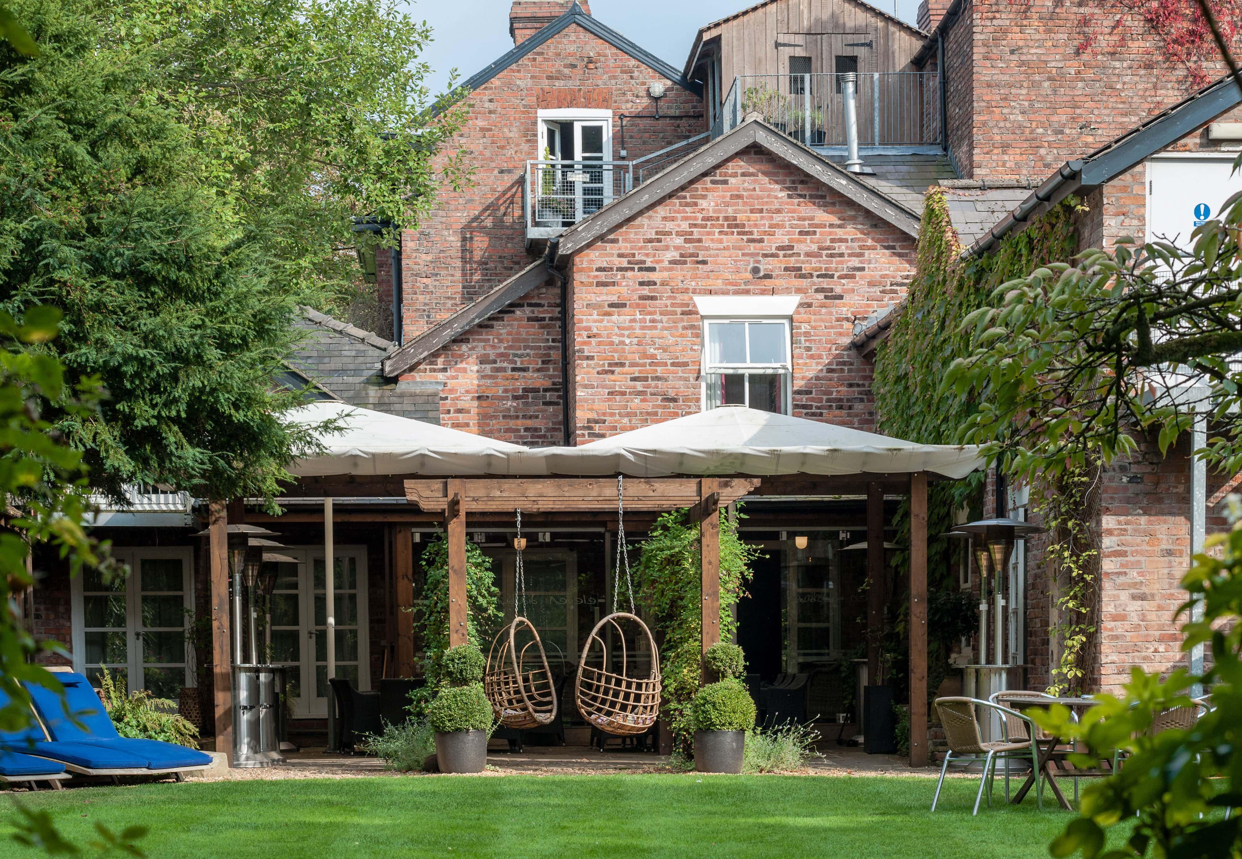 Garden Lounge & Walled Terrace, Eleven Didbsury Park