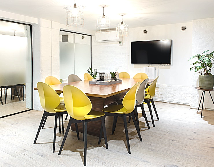 Meeting Room 1 **Meeting Room 1 is a state-of-the-art, flexible meeting room for hire in Islington.**  Spacious, fully AV equipped meeting room in a creative environment.