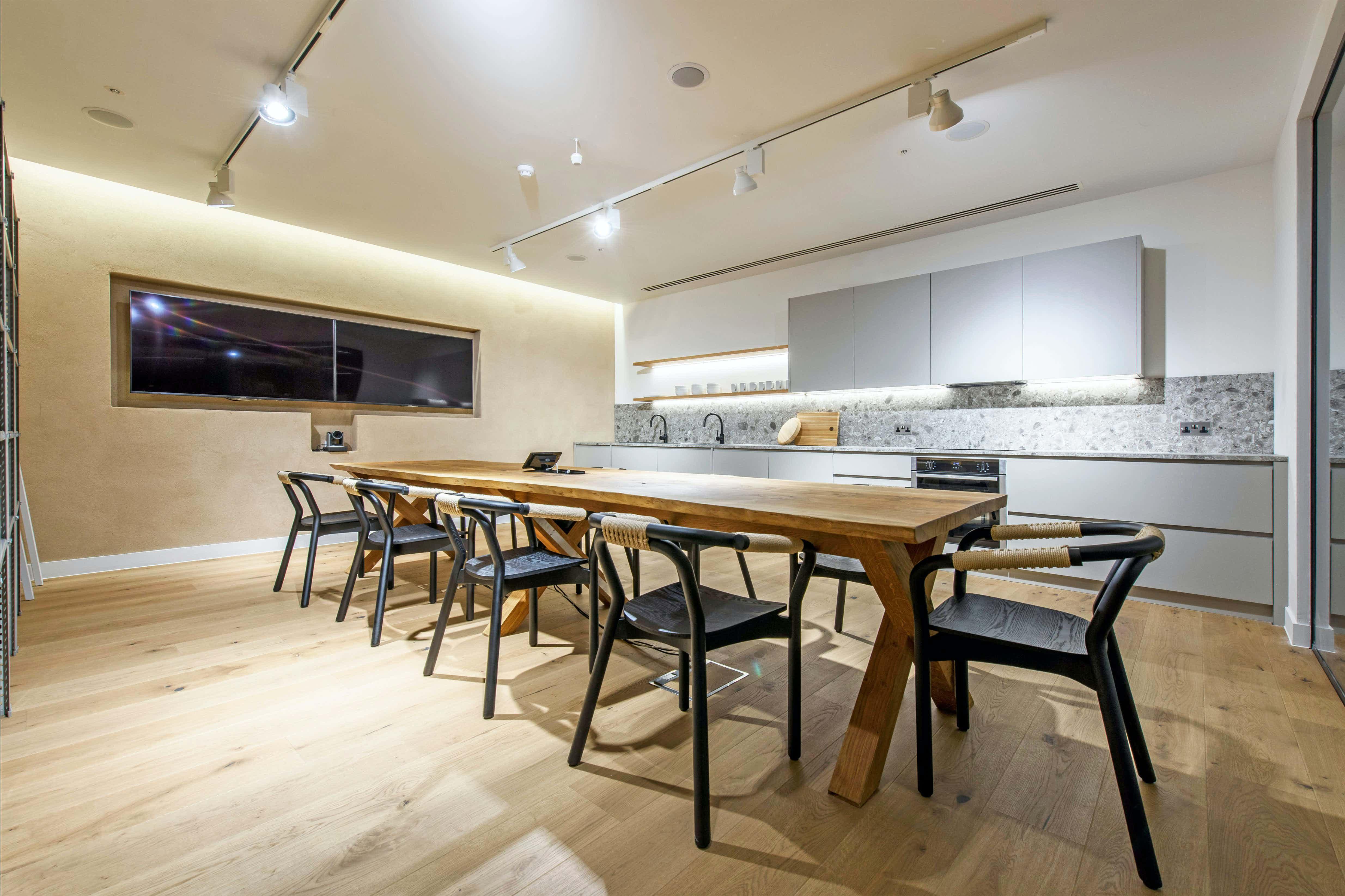 The Kitchen, Storey Club