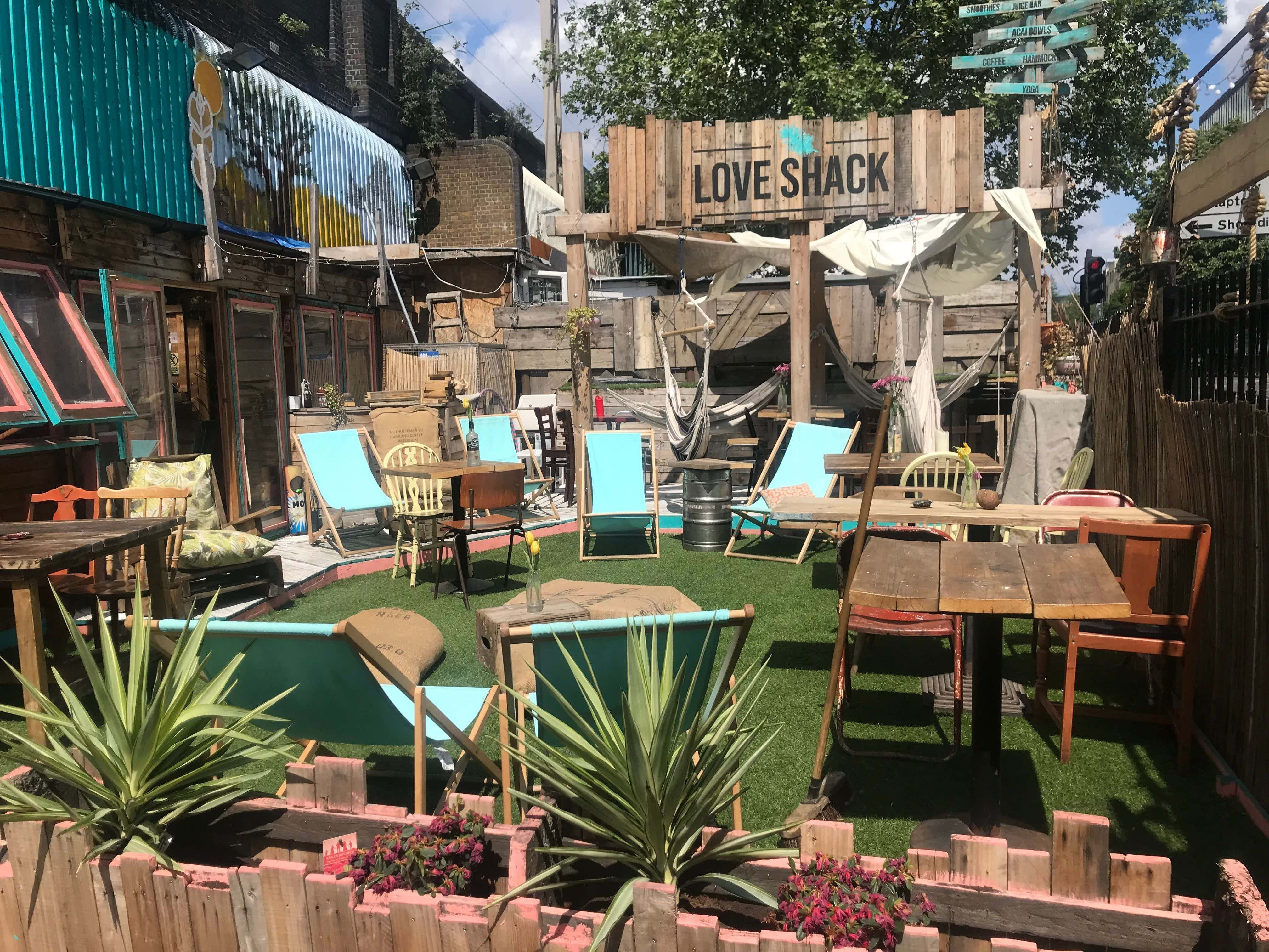 Complete venue, Loveshack
