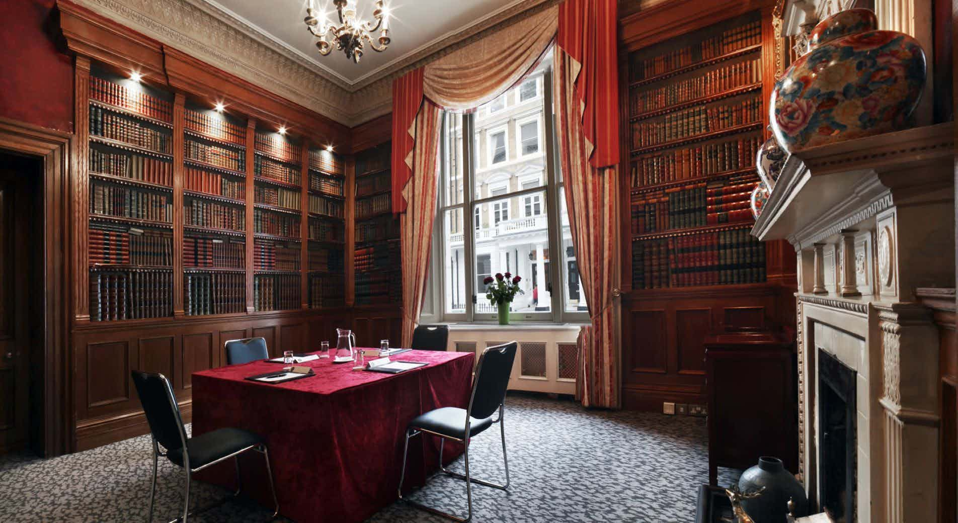 Study Suite, Strathmore Hotel
