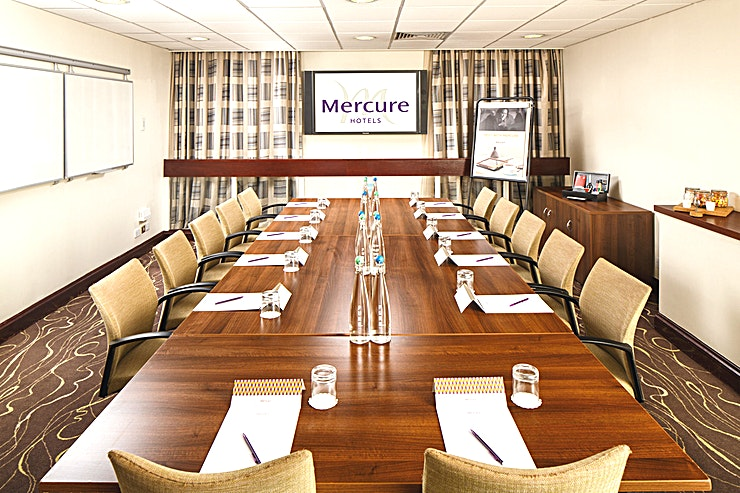 Congress Suite **The Congress suite is the perfect Space for a small and intimate meeting that still offers flexibility in set up.** 