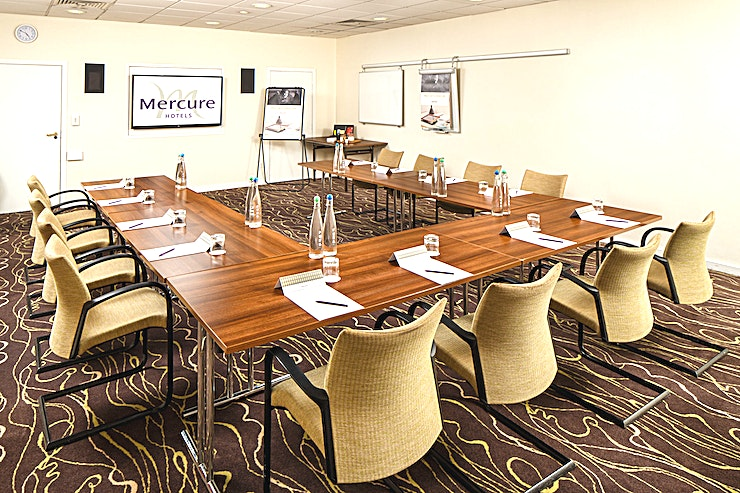 Park Lane **Park Lane and avenue are perfect as individual meeting rooms and even better when used as syndicate rooms for the fabulous Park Suite.** 
