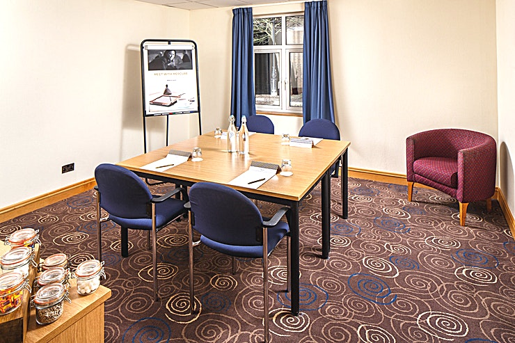 Magnolia Suite **The Magnolia Suite at Mercure Leeds Parkway Hotel  is a state-of-the-art meeting room for hire in Leeds.**  The Magnolia Suite is located on the ground floor of the conference centre, adjacent to a breakout area which is an ideal space for refreshments to be served.   The is pillar-free and boasts natural daylight, it is 19.8 meters square and can hold up to 8 delegates in a boardroom style.