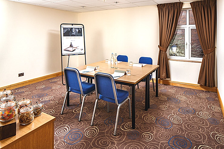 Birch Suite **The Birch Suite at Mercure Leeds Parkway Hotel is a small meeting room for hire in Leeds.**  The Birch Suite is located on the ground floor of the conference centre, adjacent to a breakout area which is an ideal space for refreshments to be served.   The is pillar-free and boasts natural daylight, it is 19.8 meters square and can hold up to 8 delegates in a boardroom style.
