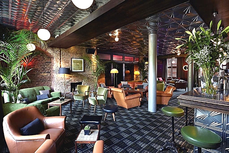 Cocktail Lounge Hire the Cocktail Lounge at the Century Club London, a members club in central London, as an elegant and classy Space for a private party venue hire or private dining venue in London. 