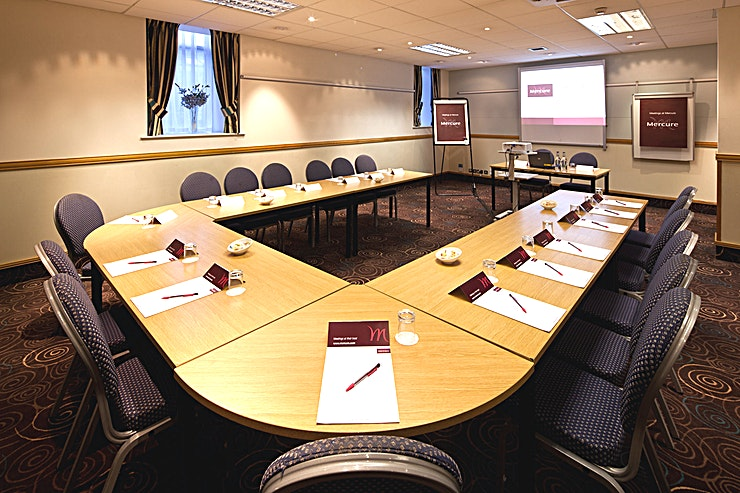 Banker Suite **The Banker Suite at the Mercure Glasgow City Hotel is a state-of-the-art meeting room for hire in Glasgow.**
