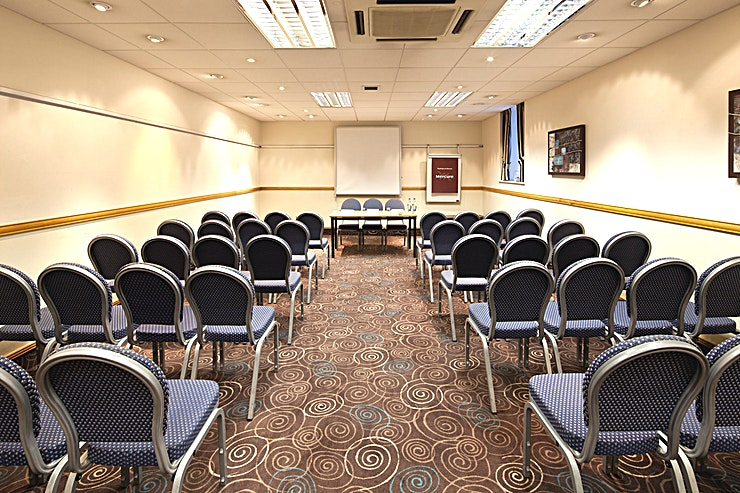 Broker Suite **The Broker Suite at Mercure Glasgow City Hotel is a stylish conference room for hire in Glasgow.**