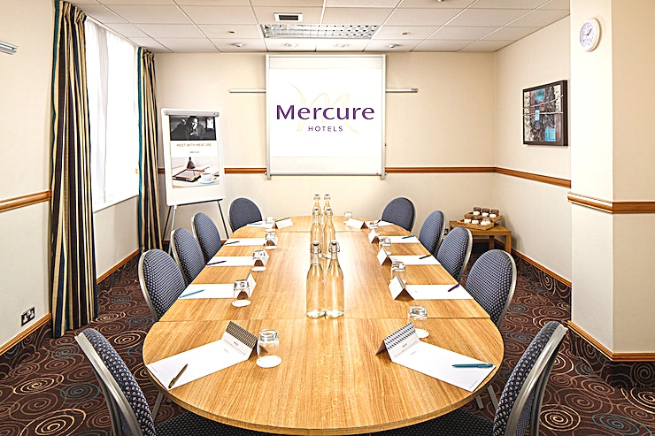 Trader Suite **The Trader Suite at the Mercure Glasgow City Hotel is a stylish meeting room for hire in Glasgow.**