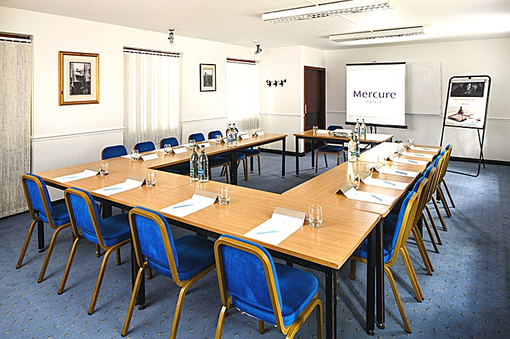Boardroom **The Boardroom at Mercure Perth Hotel is a stylish meeting room for hire in Perth.**  The Boardroom is located on the ground floor and features airconditioning, natural daylight and WiFi connection