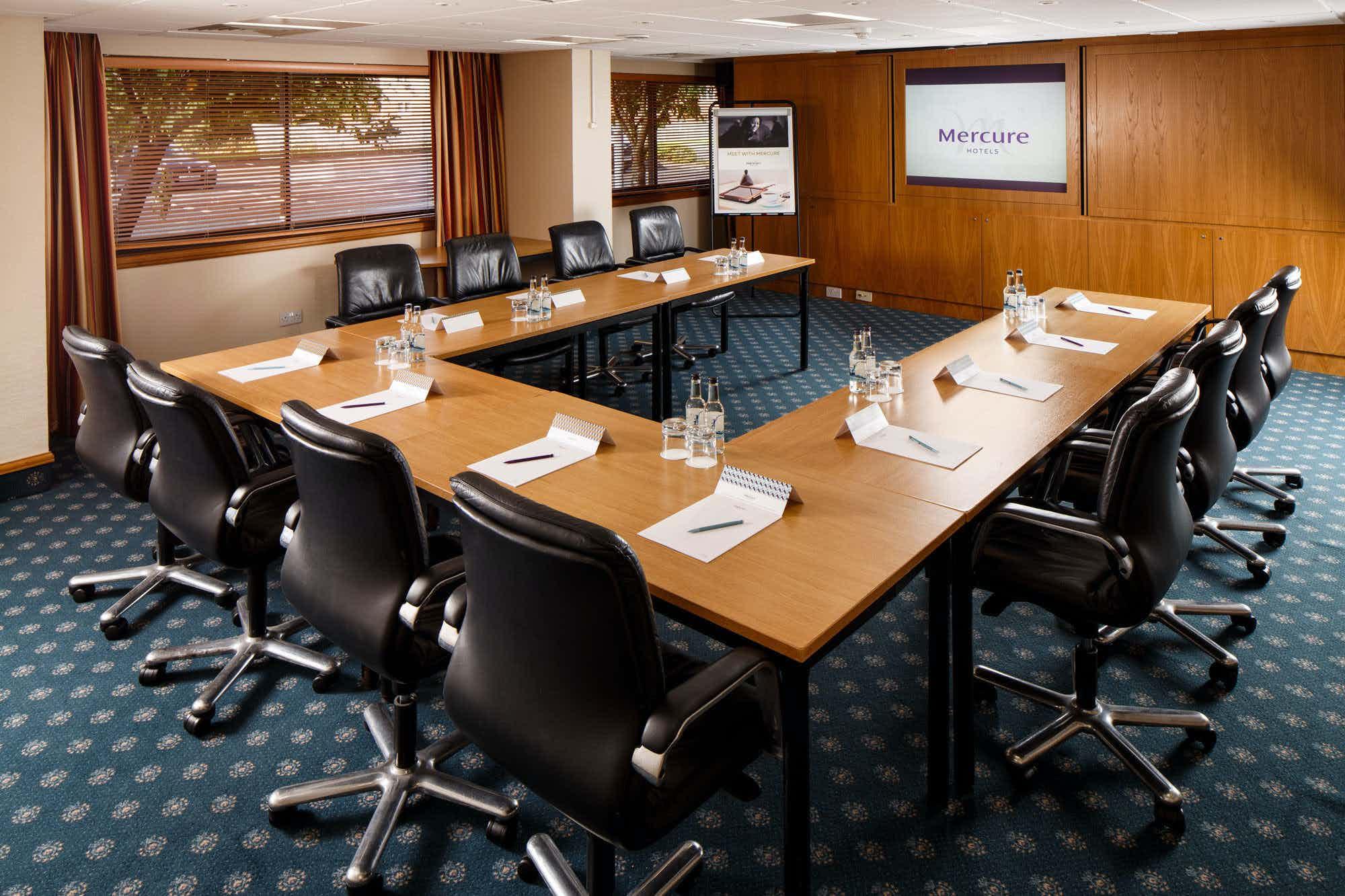Summit Suite, Mercure Livingston Hotel