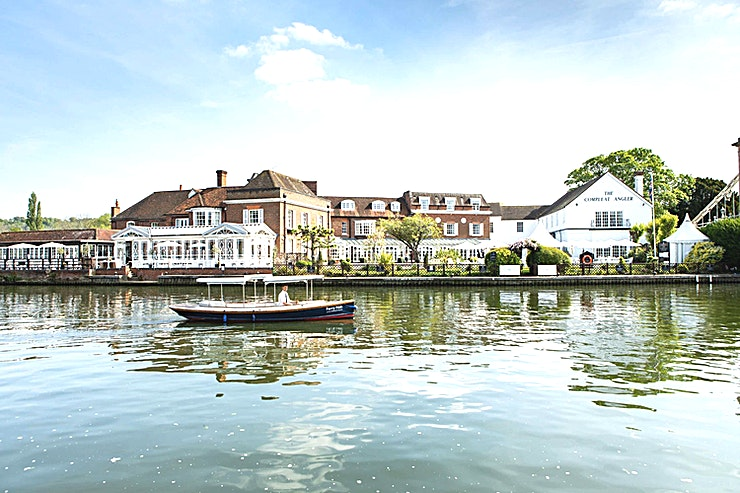 River Room **The River Room is a stylish meeting room for hire in Marlow.**